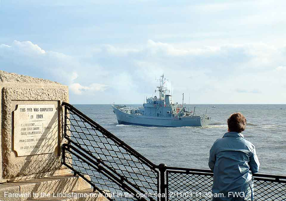 HMS Lindisfarne sails out of the river Tyne for the last time. 2 Nov 03. 11:39am
